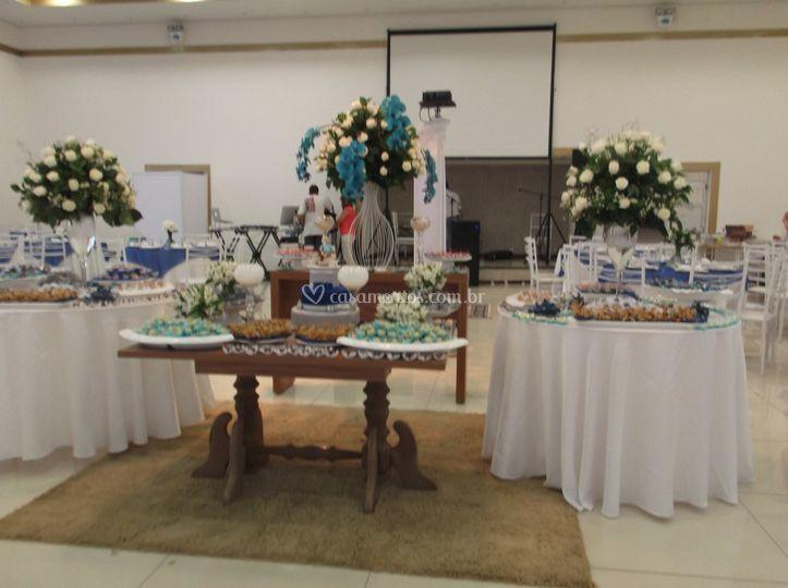 Mesas de bolo e doces