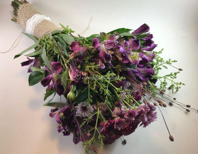 Bouquet Roxo