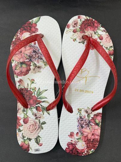 Chinelo floral marsala