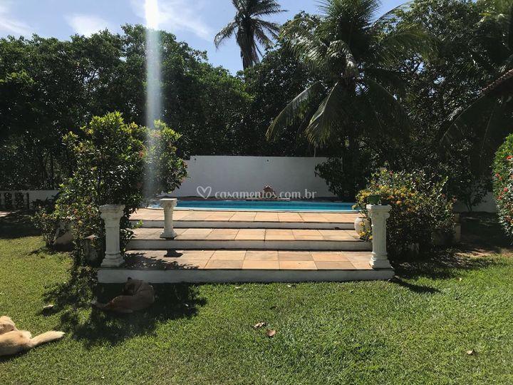 Vista jardim para piscina