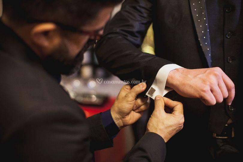 Abotoaduras c/ iniciais noivos