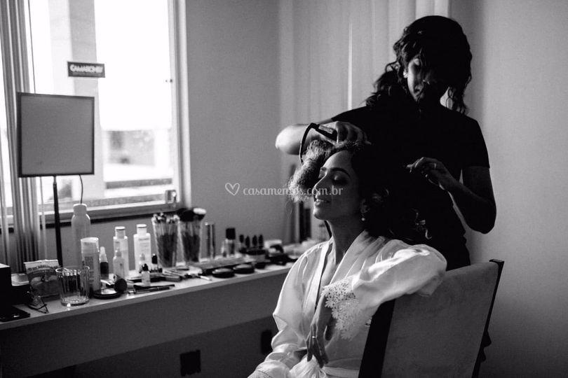 Penteado e maquiagem
