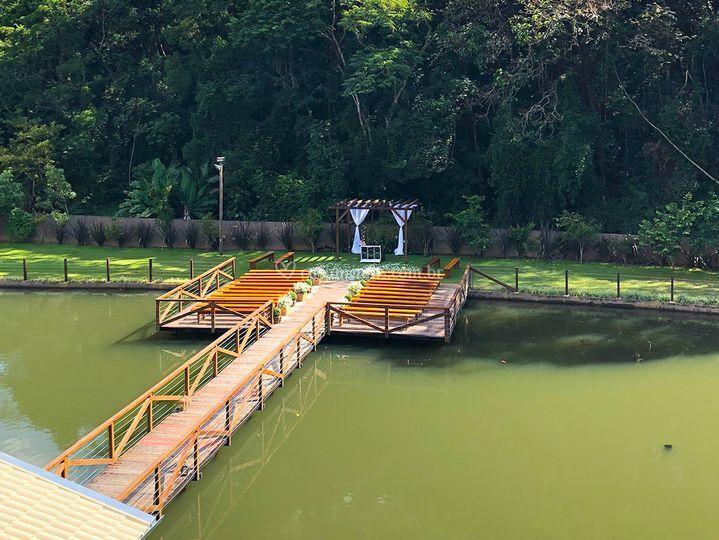 Espaço acqua - deck decorado