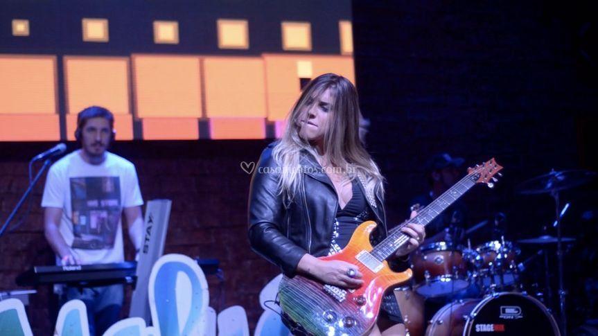 Marcela na Guitarra!