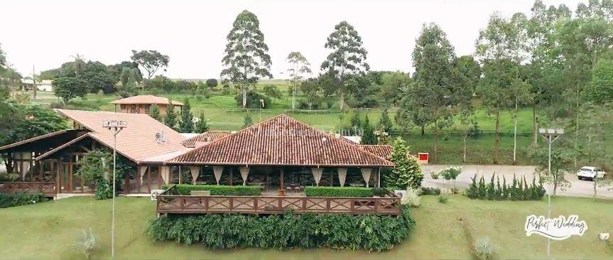 Vista aérea - Deck e Salão