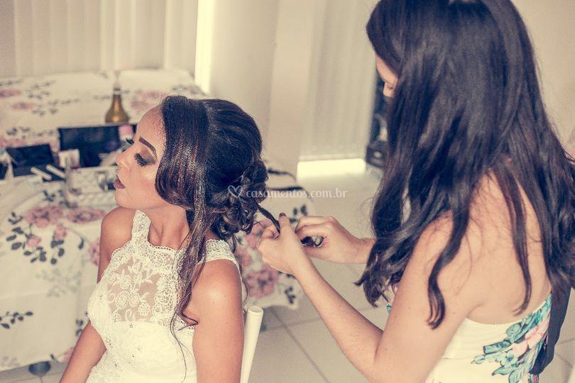 Montagem do penteado da noiva
