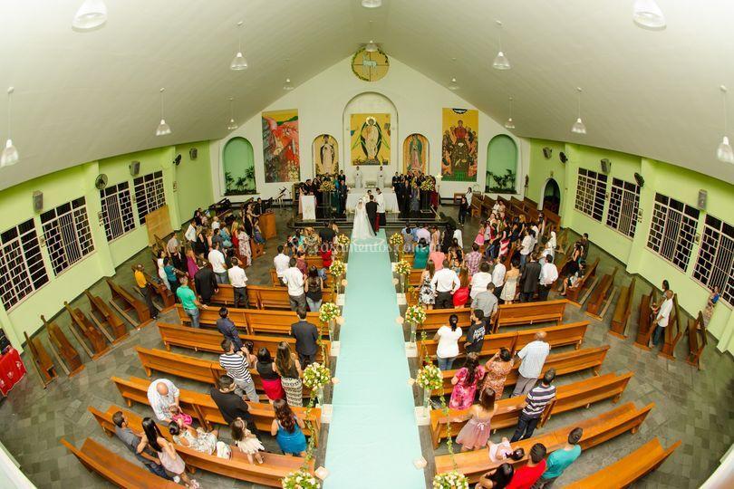 Plano aberto e superior igreja