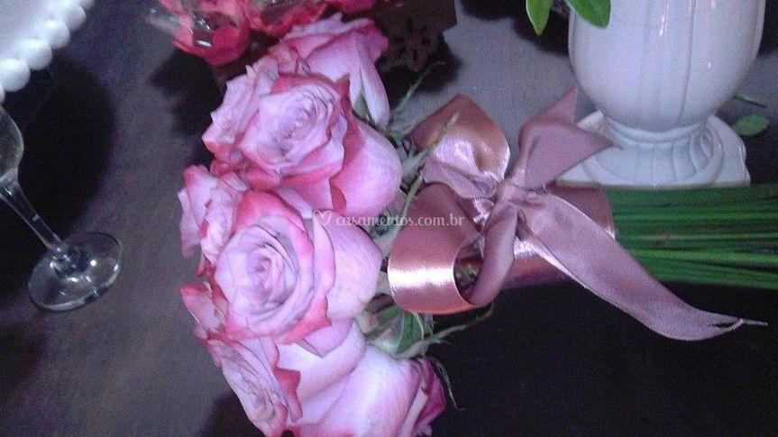 Buque rosas importadas.