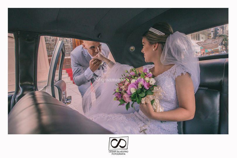 Pai buscando a noiva no carro