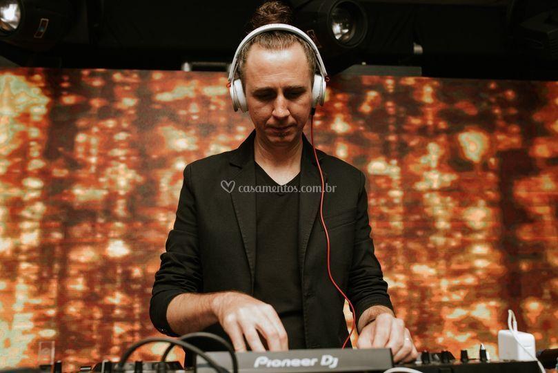 DJ Junior Sapula