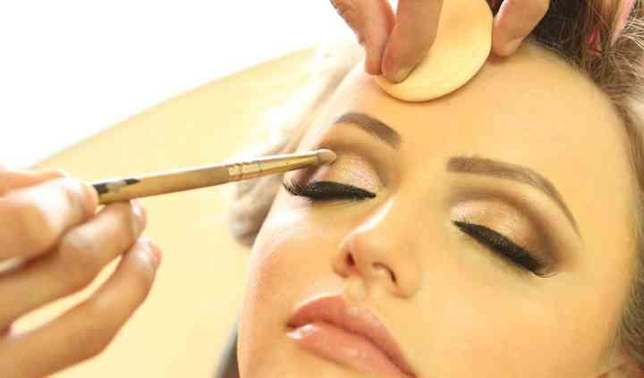 Maquiagem convencional