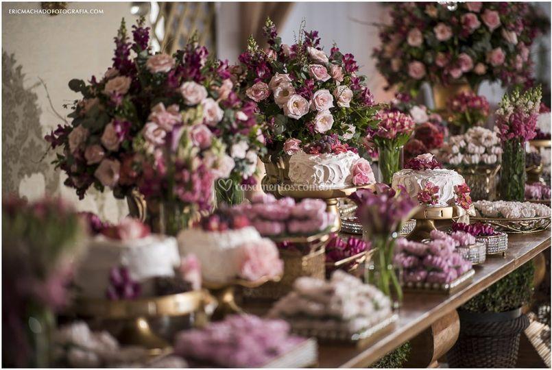 Lindas mesas de bolo
