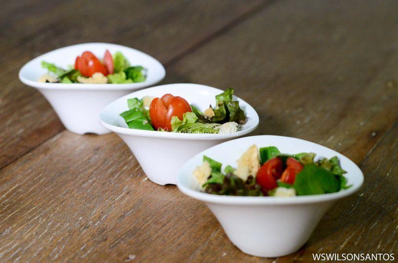 Salada de folhas nobres