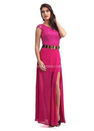 Vestido curto com saia longa