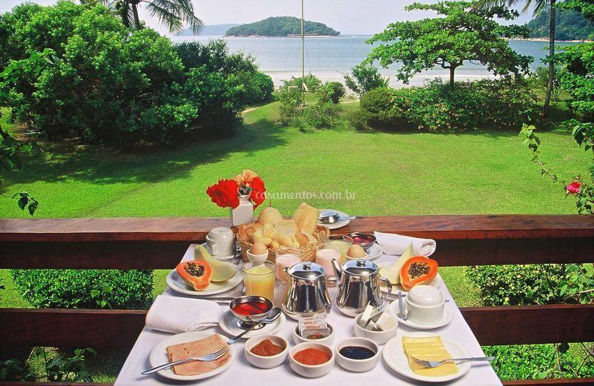 Café da Manhã c/ Vista p/ Mar