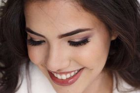 Carol Cardoso - Makeup Artist