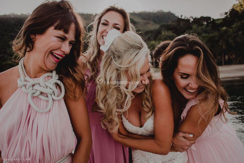 Noiva com madrinhas