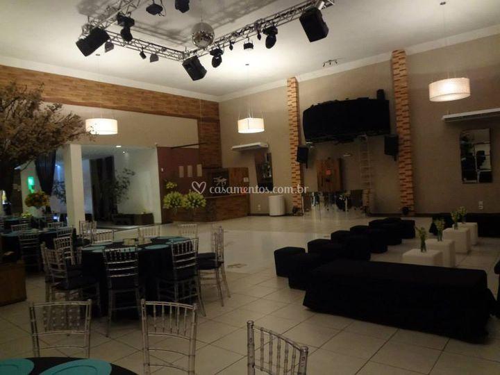 Lounge e pista de dança