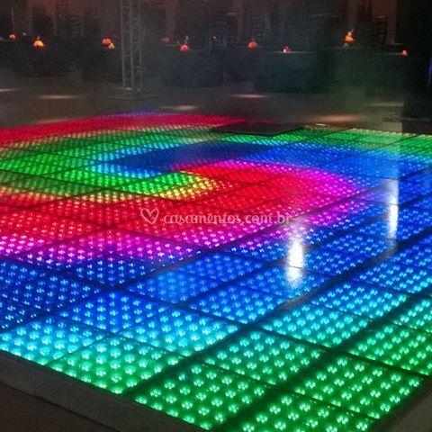 Pista, som e luz LED