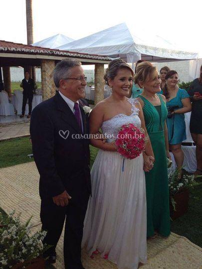 A noiva com toda emoção