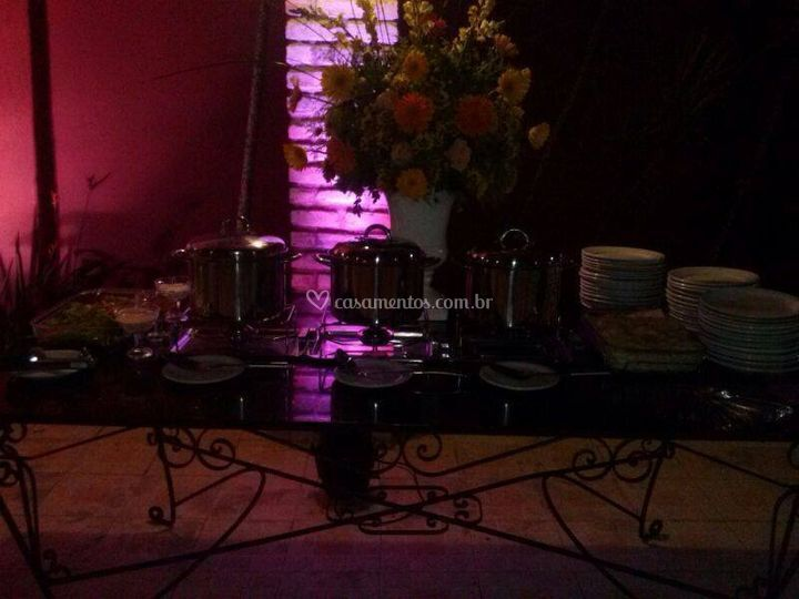 Mesa decorada com excelencia