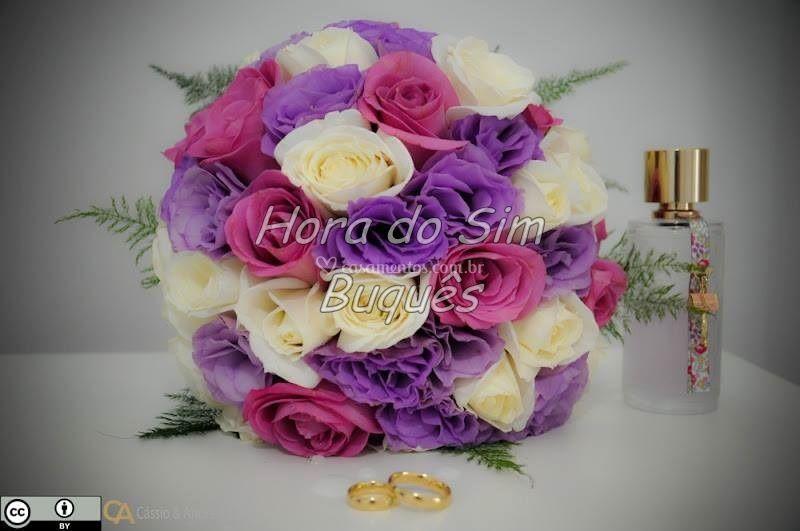 Buquê com lisianthus e rosas