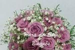 Buquê de noiva com rosas lilás