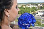 Noiva com buquê azul