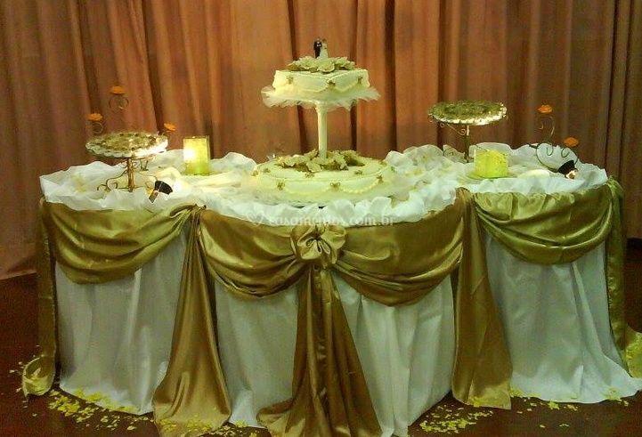 Mesa bolo e doces