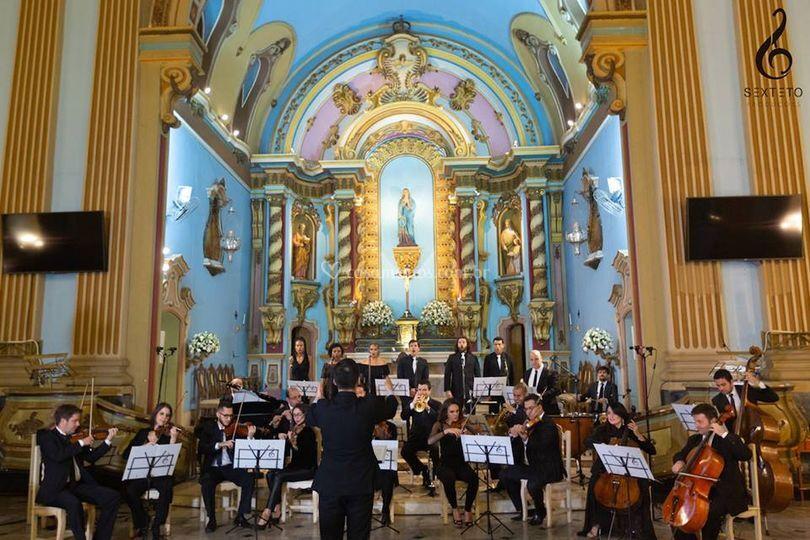 Orquestra com 23 músicos