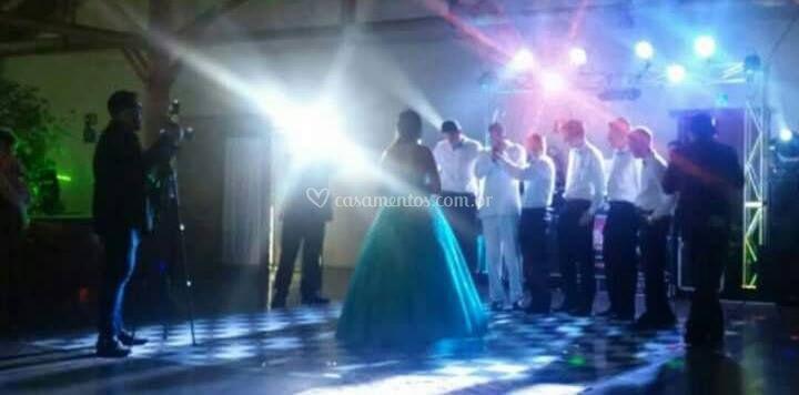 Dança com os amigos