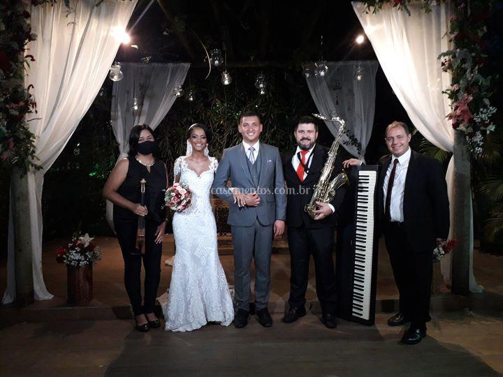 Foto com os noivos