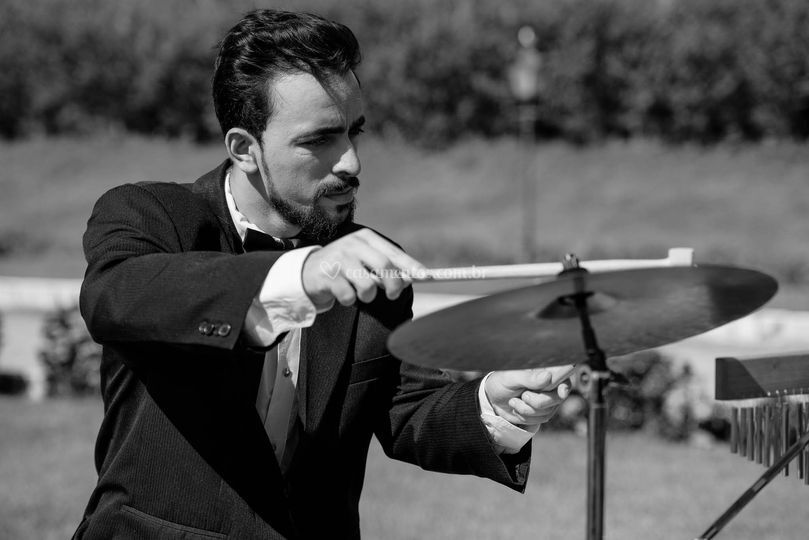 Percussionista: Mateus Megda