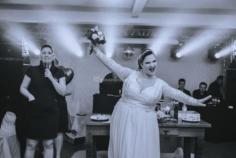 A alegria desta noiva!