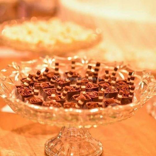 Chocolates com avelã