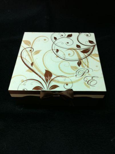 Divine Cake Designs Dorado : Caixa personalizada de Bolos Divine Cake Design Foto 21