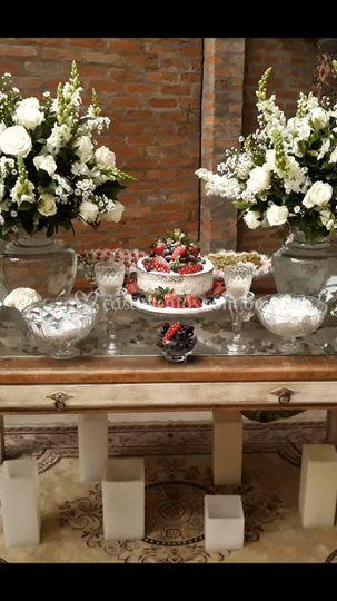 Naked Cake Frutas Silvestres