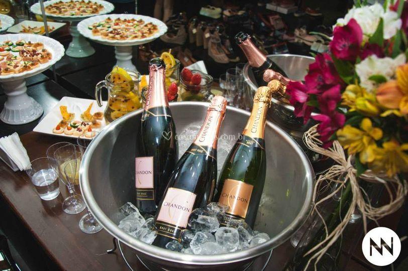 Champagne e Canapés