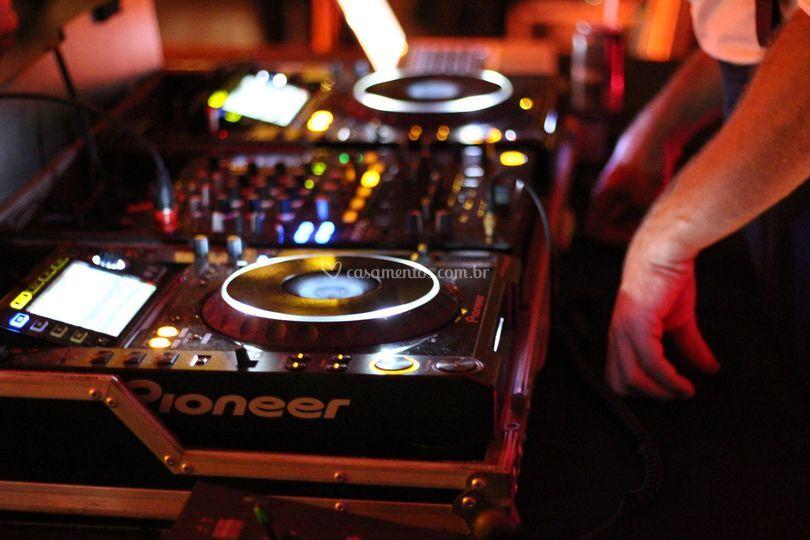 DJ Set Pioneer CDJ2000
