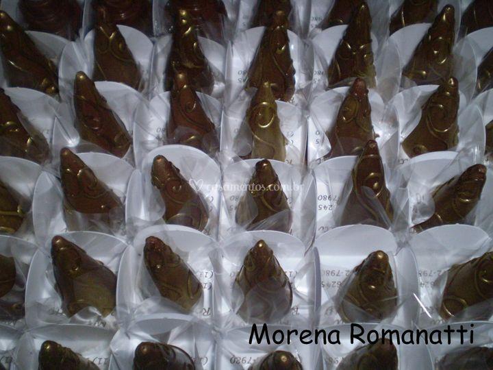 Cone de chocolate   frutas vermelhas
