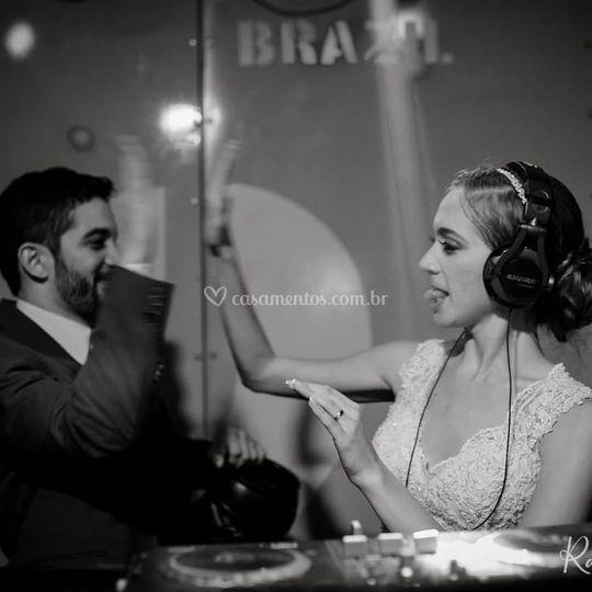 Meus noivos são DJs