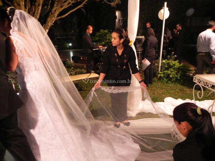 Sempre atentas ao véu da noiva