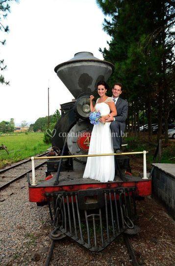 Maria Fumaça com os noivos
