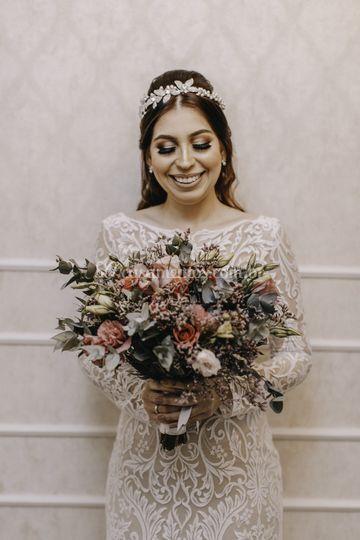 Tiara prata folha e flores