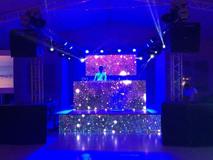 Estrutura de palco luz e som