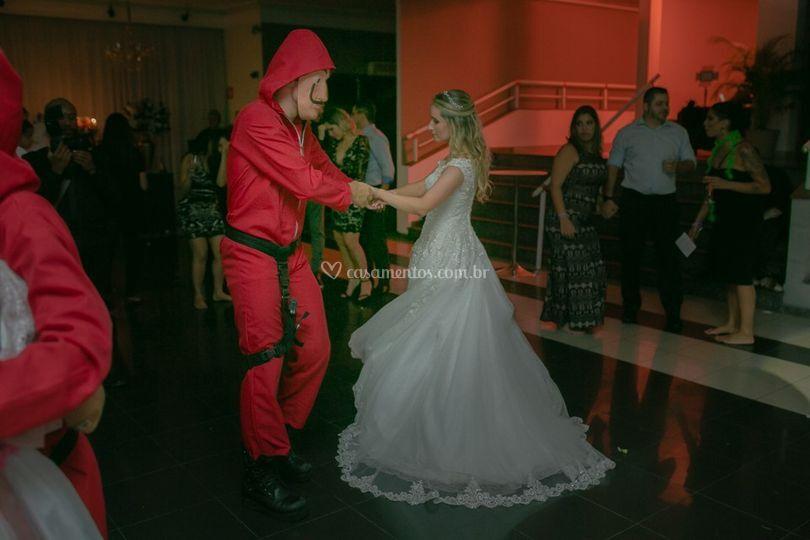 Lá Casa de papel a bailar