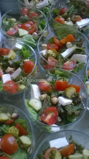Porção de saladas