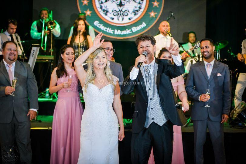 Noivo canta para Noiva