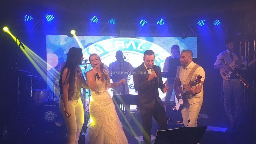 Noivos Cantando