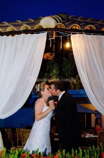 Beijo em tenda